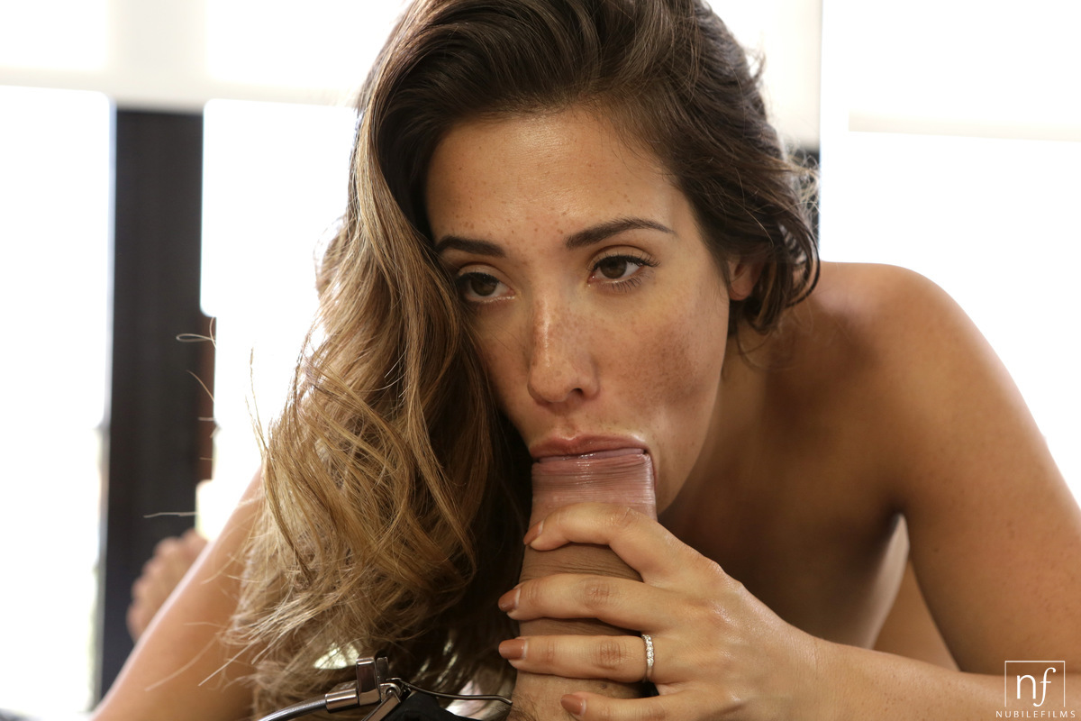 eva lovia full video