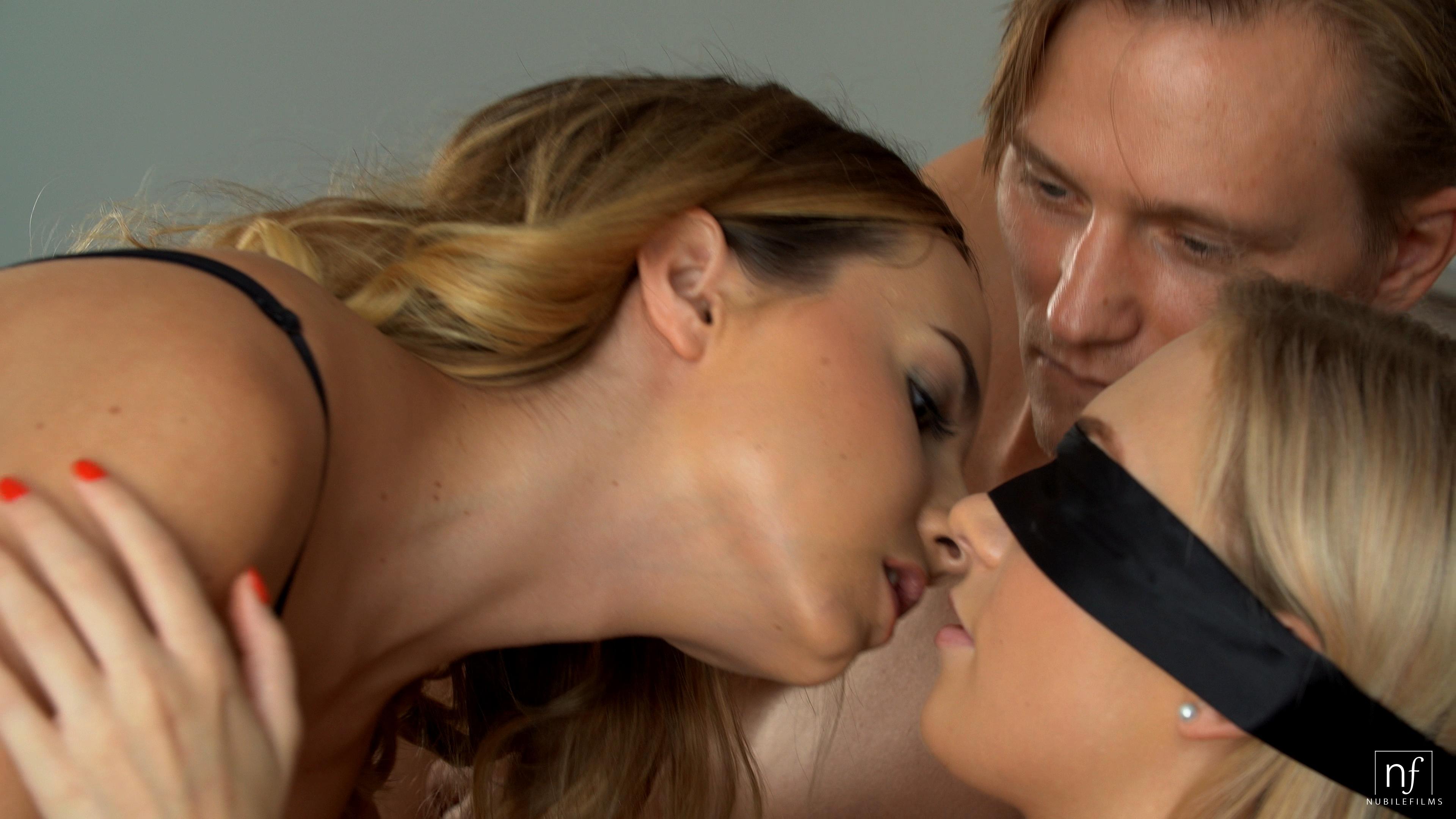 NubileFilms.com - Jenny Wild,Mona Blue,Stanley Johnson: Sharing My Girlfriend - S37:E6
